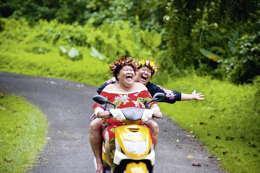 Fernweh_Cook_Frauen-auf-Moped_web