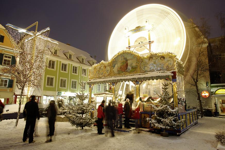 Fernweh_Nostalgie-Riesenard-am-Kinder-Adventmarkt-am-Kapistran-Pieller-Platz-(c)-Graz-Tourismus---Harry-Schiffer_web