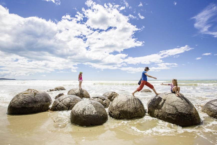 Wie sind diese Boulders am Strand von Moreaki entstanden? Es gibt nur Spekulationen.
