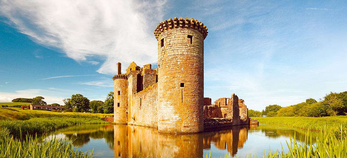 caerlaverrock-castle